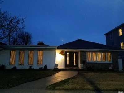 Long Beach NY Single Family Home For Sale: $775,000