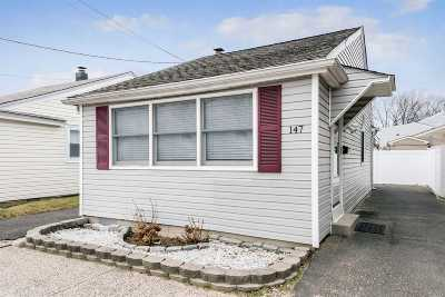 Single Family Home For Sale: 147 Lawson Ave