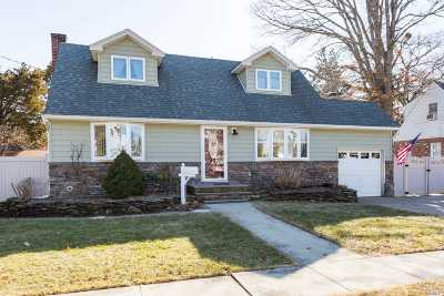 East Meadow Single Family Home For Sale: 2622 Falcon St