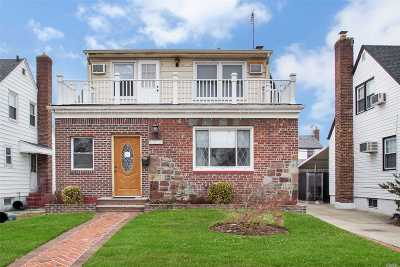 Bellerose, Glen Oaks Single Family Home For Sale: 84-30 249th St
