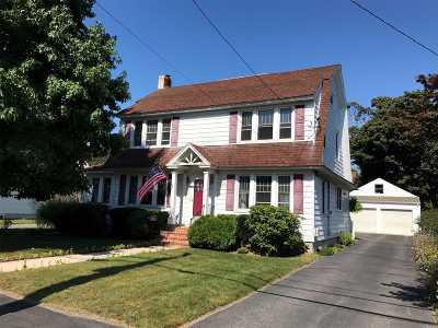 Sayville Single Family Home For Sale: 37 Erwin St