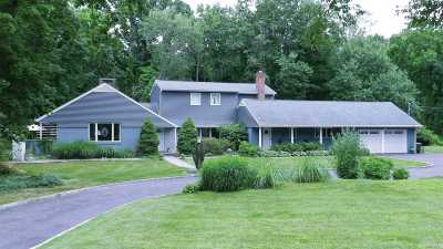 Centerport Single Family Home For Sale: 10 Mariners Ct