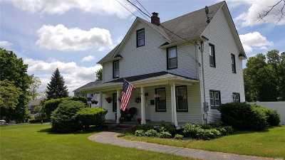 St. James Single Family Home For Sale: 324 Woodlawn Ave