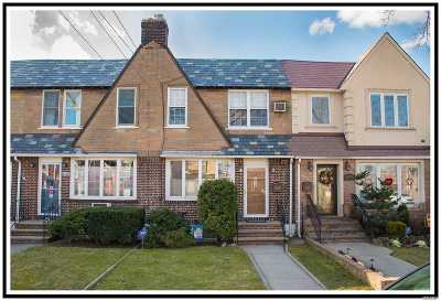 Middle Village NY Single Family Home For Sale: $775,000