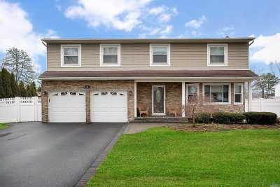 Nesconset Single Family Home For Sale: 16 White Cliff Ln