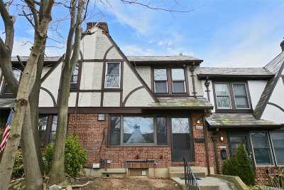 Forest Hills Single Family Home For Sale: 67-122 Burns Street