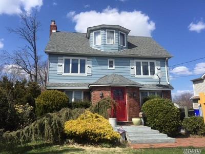 Baldwin Single Family Home For Sale: 53 Cornwell Ave