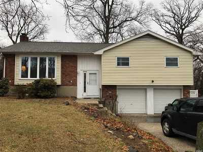 Huntington Single Family Home For Sale: 11 Sage Ct