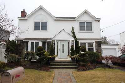 East Meadow Single Family Home For Sale: 2530 4th Ave