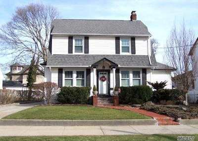 Bellmore Single Family Home For Sale: 2121 Centre Ave