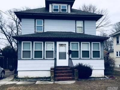 Bay Shore Single Family Home For Sale: 31 Bay Shore Ave