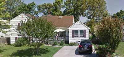 Centereach Single Family Home For Sale: 16 Leonard Ln