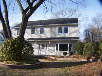 Westbury Single Family Home For Sale: 731 Franklin St