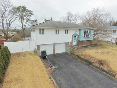 Smithtown Single Family Home For Sale: 14 Mulberry Dr