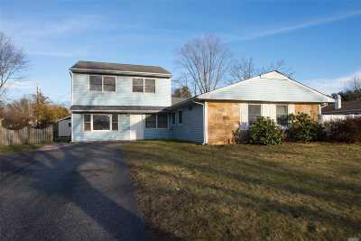 Stony Brook Single Family Home For Sale: 269 Hallock Rd