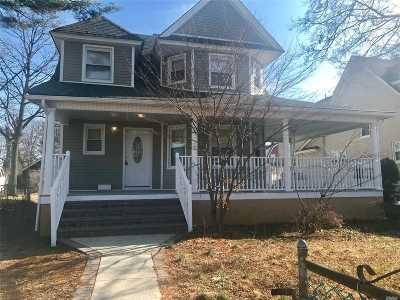 Freeport Single Family Home For Sale: 12 Charlick Pl