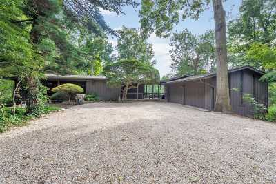 Huntington Single Family Home For Sale: 160 Sweet Hollow Rd