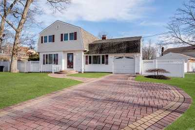 Lake Grove Single Family Home For Sale: 5 Brandy Ct