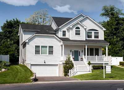 Glen Head Single Family Home For Sale: 4 Landing Ct
