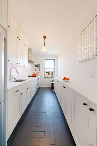 Jackson Heights Condo/Townhouse For Sale: 35-63 88 St #5N