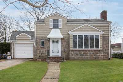 Rockville Centre Single Family Home For Sale: 170 Seaman Ave
