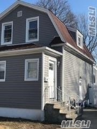 Freeport Single Family Home For Sale: 42 Willow