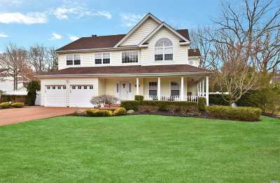 Smithtown Single Family Home For Sale: 177 Plymouth Blvd
