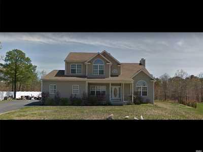 Medford Single Family Home For Sale: 25 Jordan Dr
