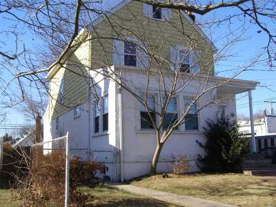 Williston Park Single Family Home For Sale: 545 Marcellus Rd