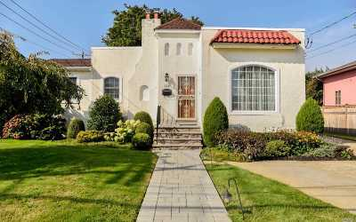 Single Family Home For Sale: 114 Lincoln Blvd