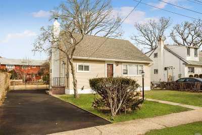 Rockville Centre Single Family Home For Sale: 500 Jefferson Ave