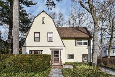 Great Neck Single Family Home For Sale: 9 Lincoln Rd