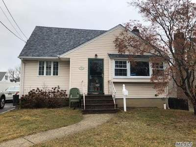 N. Bellmore Single Family Home For Sale: 108 Grant Blvd