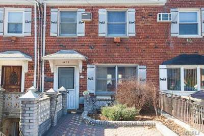Middle Village Single Family Home For Sale: 61-36 65th St