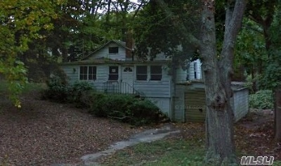 Southampton NY Single Family Home For Sale: $325,000
