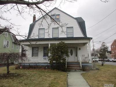 Patchogue Single Family Home For Sale: 78 Maple Ave