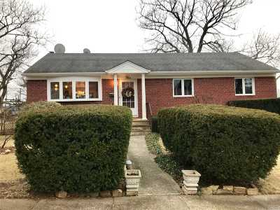 Jericho Single Family Home For Sale: 5 20th St