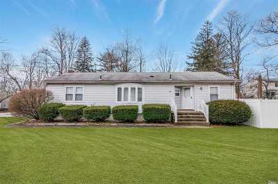 Lake Ronkonkoma Single Family Home For Sale: 14 Creighton Ave