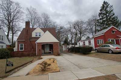 Freeport Single Family Home For Sale: 75 Mount Joy Ave