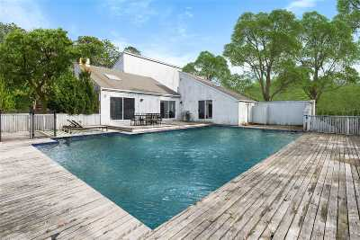 East Hampton Single Family Home For Sale: 48 S Breeze Dr