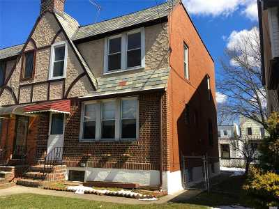Middle Village Single Family Home For Sale: 66-09 77th Pl