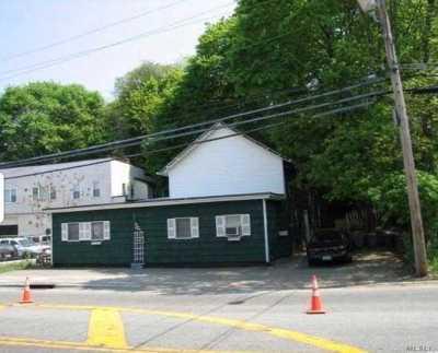 Glen Head Single Family Home For Sale: 669 Cedar Swamp Rd