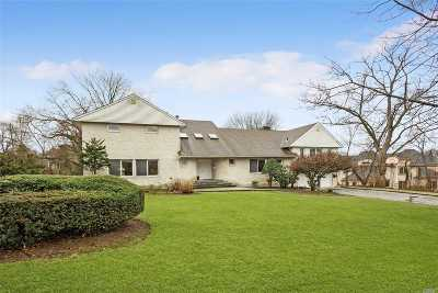 Great Neck Single Family Home For Sale: 1 Pine Dr