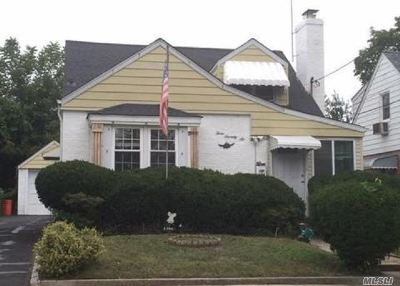 Mineola Single Family Home For Sale: 376 Foch Blvd