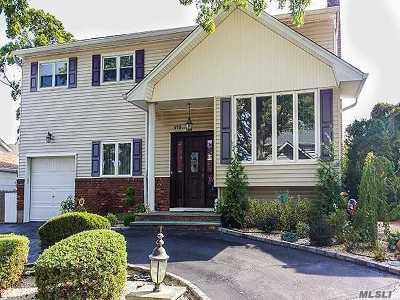 Oceanside Single Family Home For Sale: 473 Matthew St