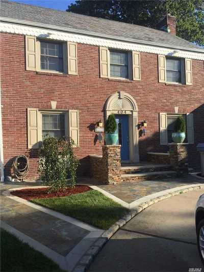 Cedarhurst Single Family Home For Sale: 404 Broadway