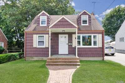 Syosset Single Family Home For Sale: 49 Roosevelt Ave