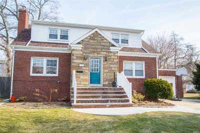 Bellmore Single Family Home For Sale: 2263 Rose Pl