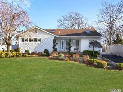 East Meadow Single Family Home For Sale: 1494 Flower Ln