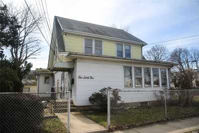 Hicksville Single Family Home For Sale: 161 Plainview